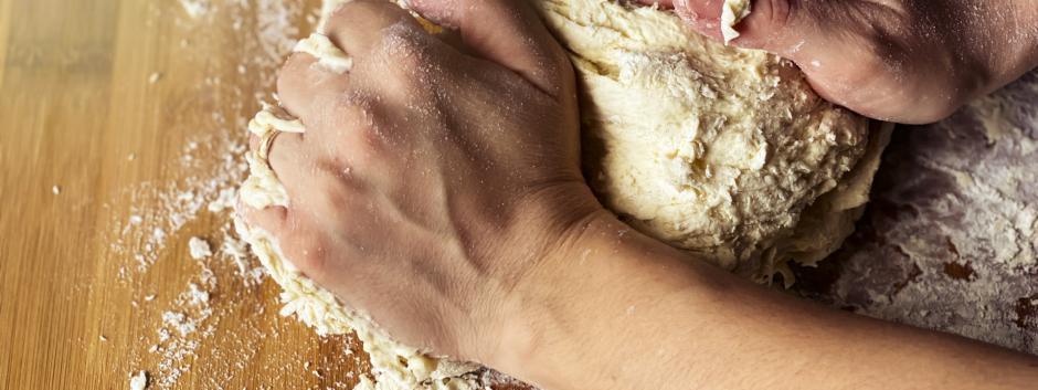 El pan nunca falta en nuestra mesa, lo consumimos con cualquier plato o tapa