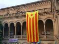 Una estelada en la Universidad de Barcelona