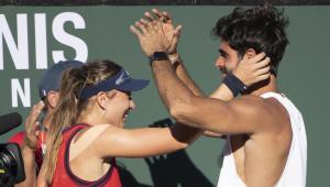 Juan Betancourt felicita a Paula Badosa tras la victoria en Indian Wells
