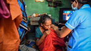 Vacunación en Chennai, India, a comienzos de octubre