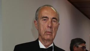 Luis Alberto de Cuenca junto a José Luis Garci en los premios Mariano de Cavia 2019