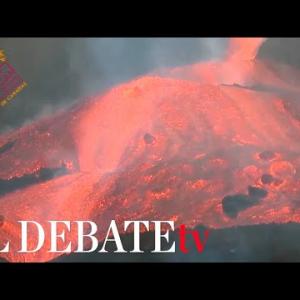 Imágenes del desborde de la colada de lava en el cono principal en La Palma