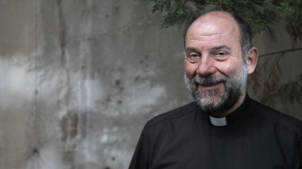José María Calderon, director de las Obras Misionales Pontificias en España, atiende al diario El Debate en el día del DOMUND