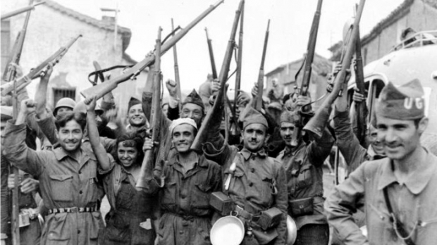 Soldados republicanos en el frente de Madrid