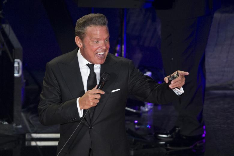 """Singer Luis Miguel performs in concert during the start of his """"Mexico por Siempre"""" tour at the NationalAuditorium in Mexico City, Wednesday, Feb. 21, 2018."""