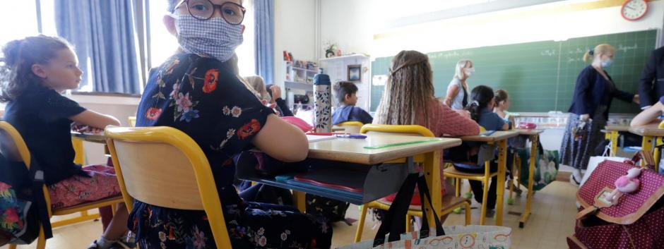 Clase de primaria en época de coronavirus