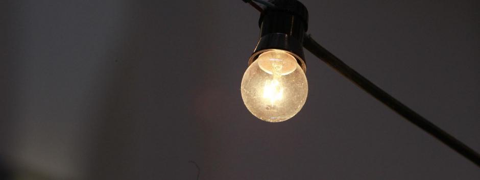 Los precios de la electricidad continúan en máximos