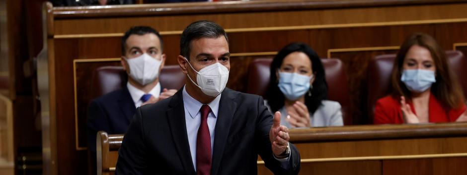 El presidente del Gobierno, Pedro Sánchez, interviene durante la sesión de control