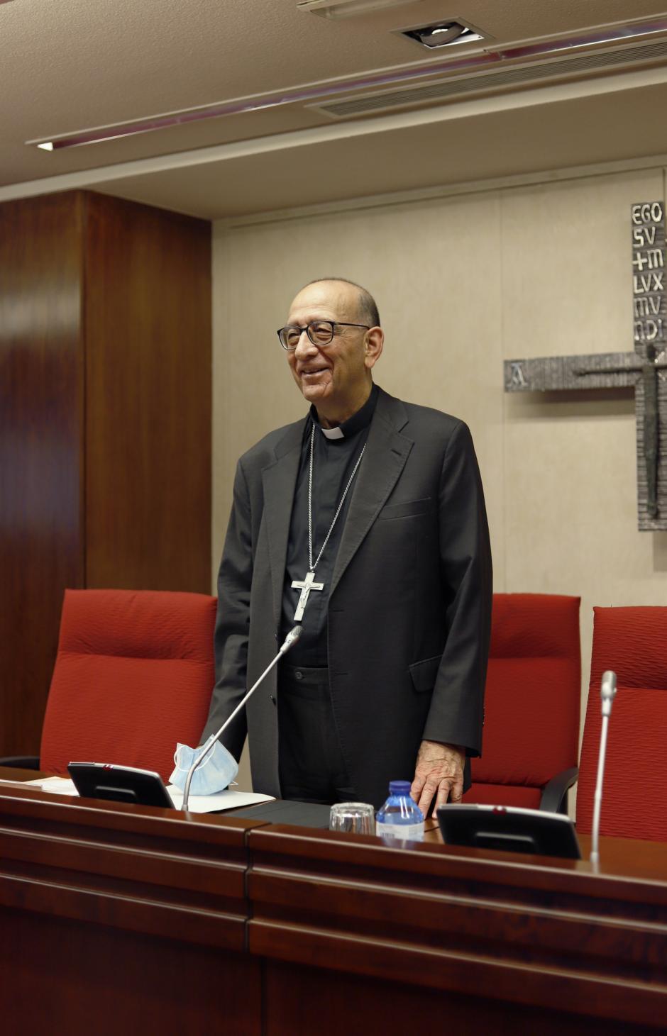 Juan José Omella antes de empezar la Comisión Permanente