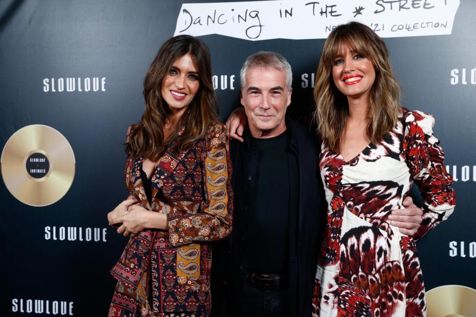 Las periodistas junto a su compañero de Telecinco, David Cantero